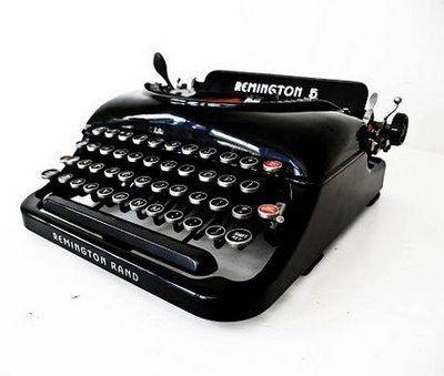 Starý písací stroj