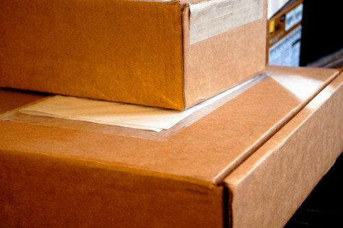 Dve kartónové škatule