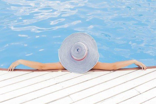 Leto v bazéne