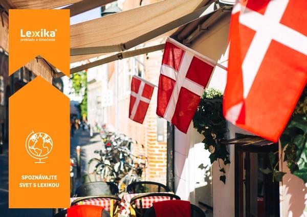 Dánska vlajky v uličke