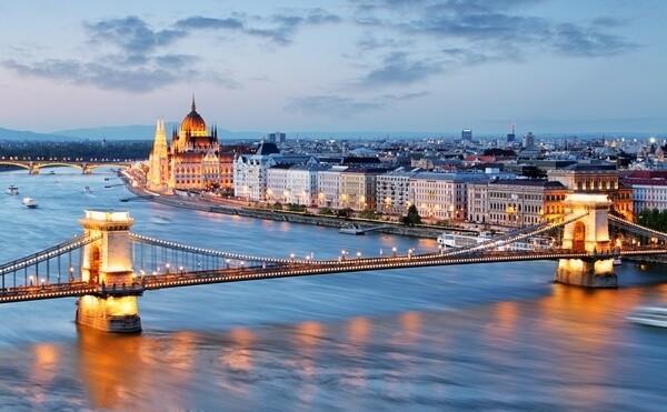 Széchenyiho reťazový most v Budapešti, Maďarsko