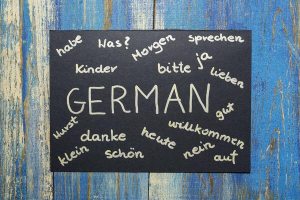 Tabuľa so slovami v nemeckom jazyku