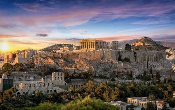 Akropola pri západe slnka