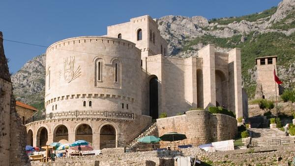 Kultúrna pamiatka, národné múzeum