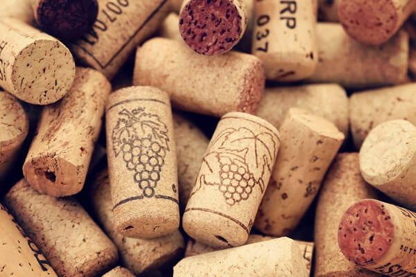Vínové zátky z korku