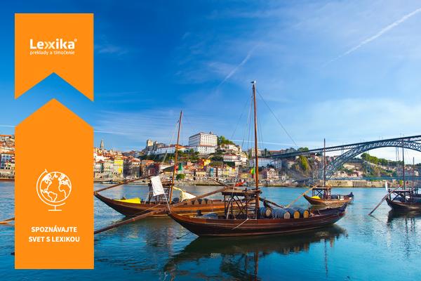 Lode na rieke v meste Porto