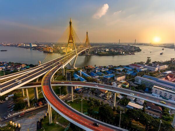 pohľad na hlavné mesto Thajska_the capital city of Thailand