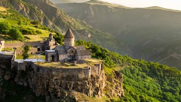 Kláštor Tatev_Tatev Monastery