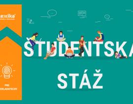 študenti sediaci na nápise Študentská stáž
